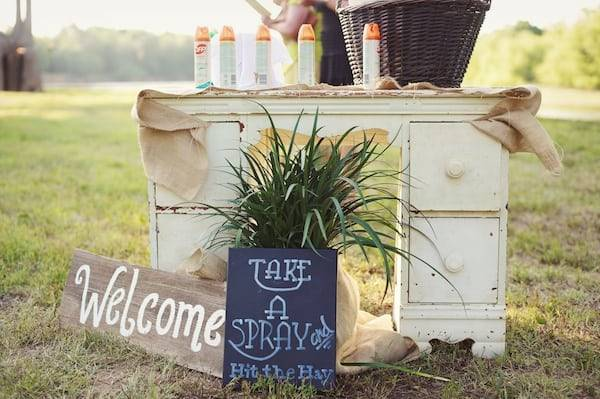 How To Keep Your Guests Comfy At Your Outdoor Wedding: 7 Ways To Keep Your Guests Comfortable At An Outdoor