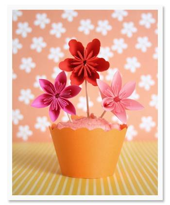 Sweet Finishing Touch: Floral Cupcake Toppers