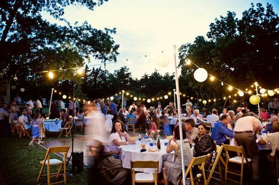 3 casual wedding theme ideas inspired bride for Outdoor wedding reception ideas
