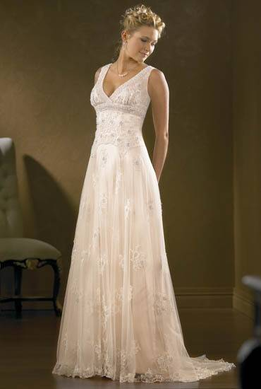 Light Vintage Lace Wedding Dress