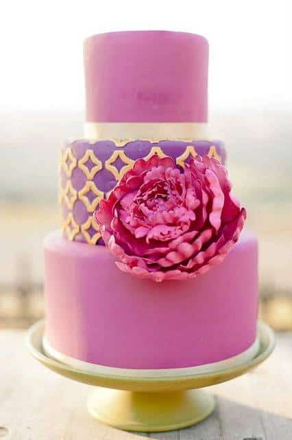 27efaa6167e9cee10bb004999c592680 Cakes of Many Colors: Beautiful and Colorful Wedding Cakes