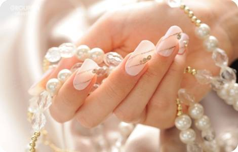 pearl-nails