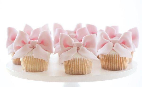 Cupcakes with Fondant Bows
