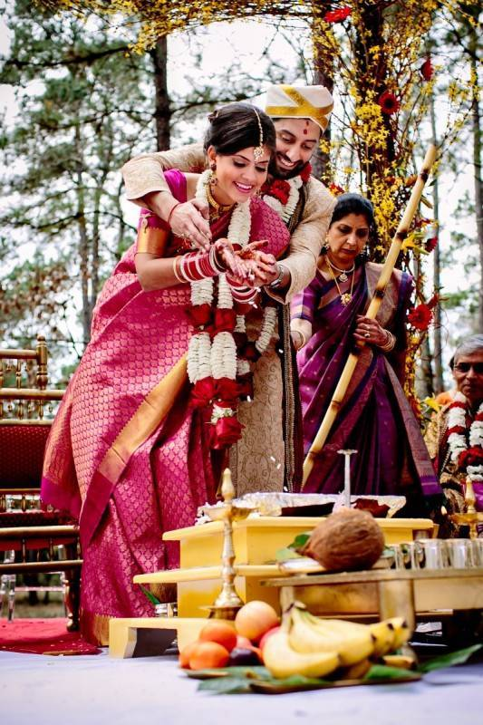 Singh Bhatt Caroline  Ben Photography submission65 533x800 A Joyful Outdoor Indian Wedding   Simply Gorgeous