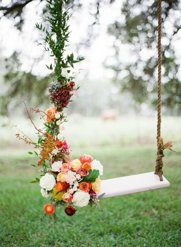 garden swing 586x800 Brilliant Garden Wedding Theme Ideas for Every Bride