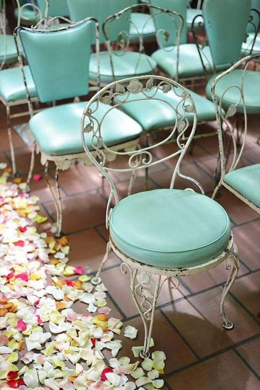 vintage chairs 534x800 Brilliant Garden Wedding Theme Ideas for Every Bride