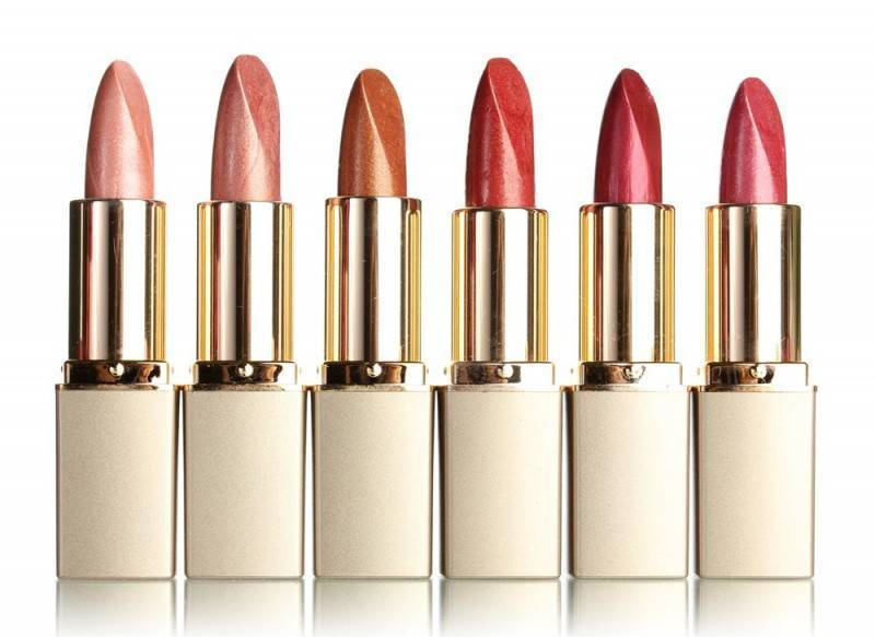 lipstick 800x583 Making Sure Your 'Bride to Be' Smile is Perfect (Giveaway)