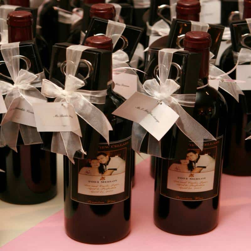 72 5 Tips for Choosing the Perfect Wedding Favors