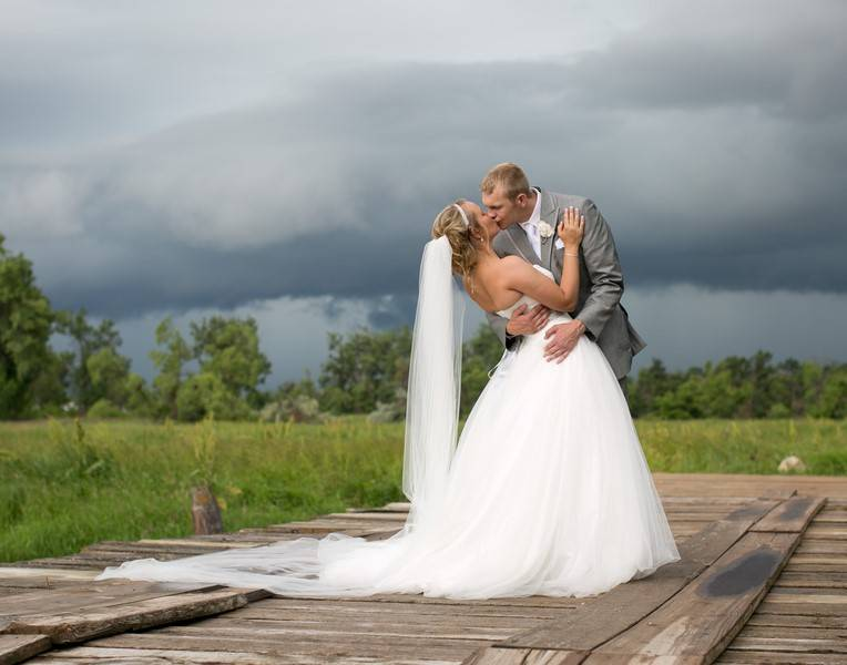 Rogers Gatzke Cadey Reisner Weddings CRW3672 low Mackenzi & Patrick   The Perfect Rainy Rendezvous
