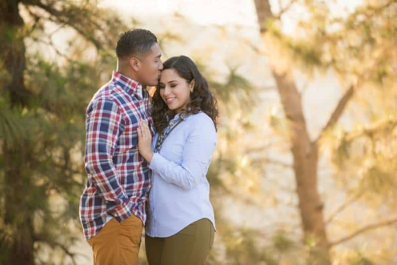 Duarte_Penate_Elmer_Escobar_Photography_BeautifulGriffithParkEngagementPhotosEstherandSteve7_low