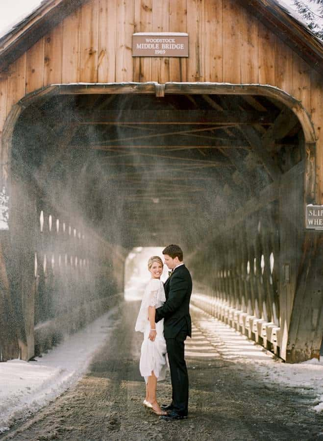 14 Beautiful Snowy Wedding Pictures