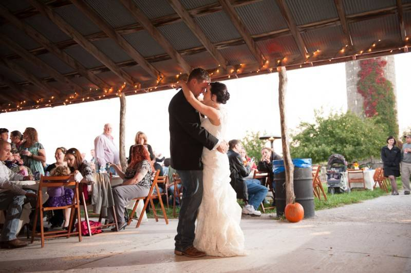 Bacon Taber BSharp Photography 724Taber low 800x532 Hilary & Jordan   The Country Welcomes Fall