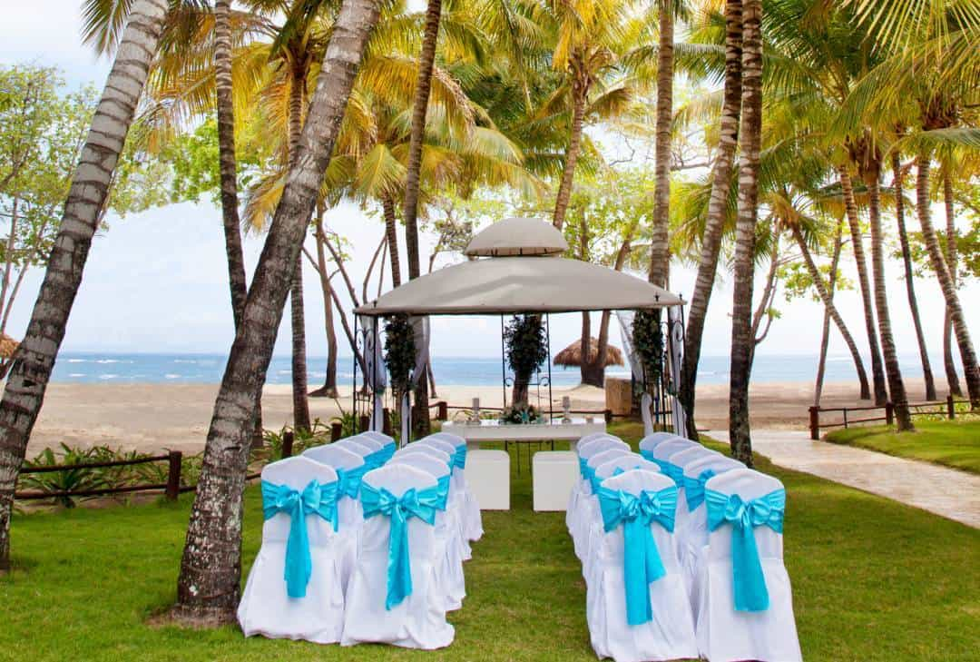 How a Destination Wedding can actually be More Affordable