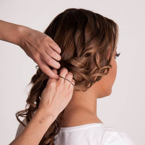 Wavy Textured Updo_Step 6