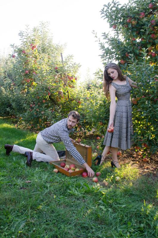 Apple Orchard Rendezvous (3)