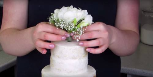 diy real flower cake topper
