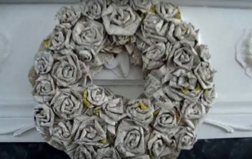 DIY rolled paper roses wedding wreath