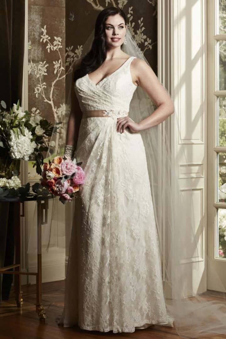 10 stunning plus size wedding dresses tips advice for Plus size sheath wedding dress