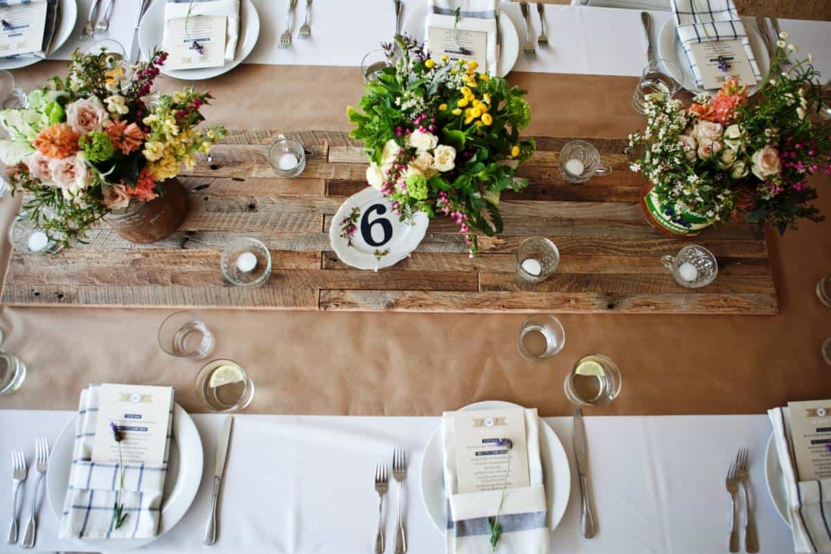 DIY Wedding Decorations For Every Budget - Cute Vintage Table