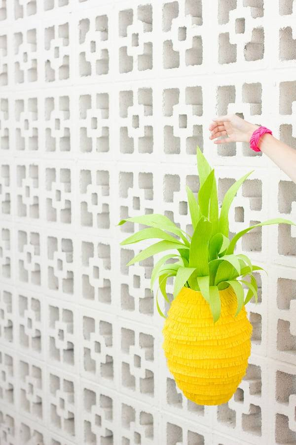 DIY-Pineapple-Pinata1-600x900