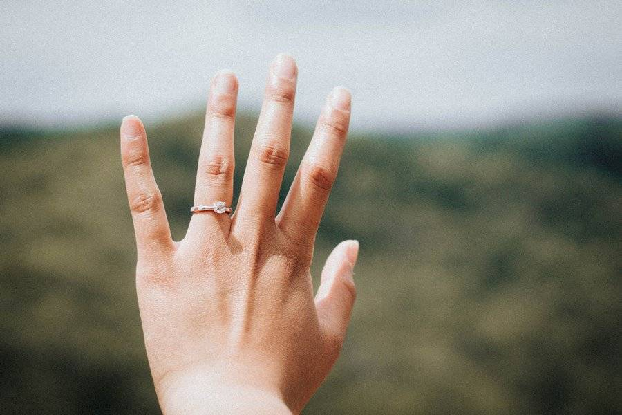 It's Definitely OK to Break These 5 Engagement Ring Rules
