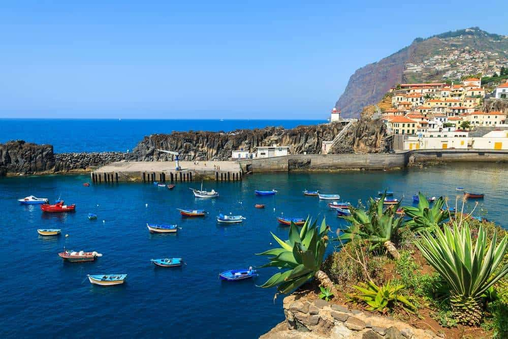 11 Most Visited and Loved Islands Around The Globe Where You Can Elope