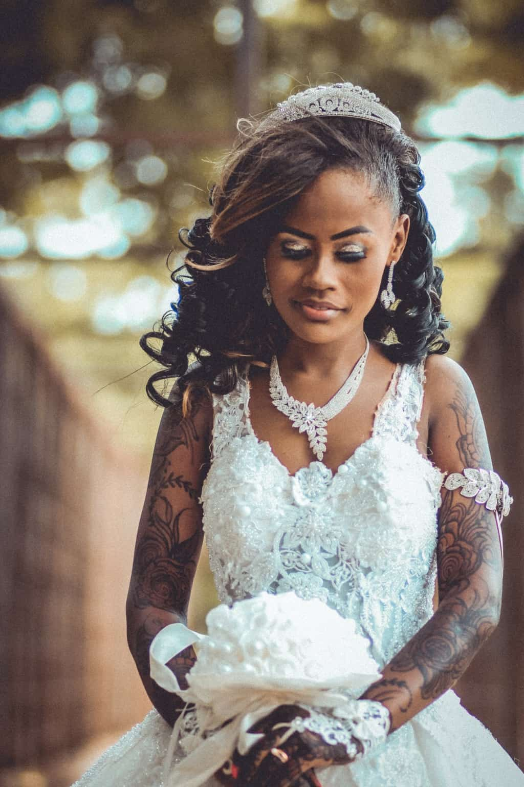 Women's White Floral Lace Wedding Gown